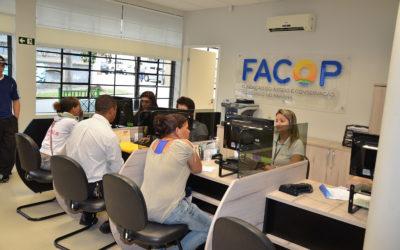 Central de Empregos participa de Feira de Empregos da Uninter