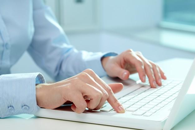 Buscando um emprego: quatro dicas de como se comportar nas redes sociais